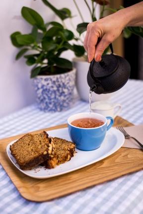 Bizcocho y té
